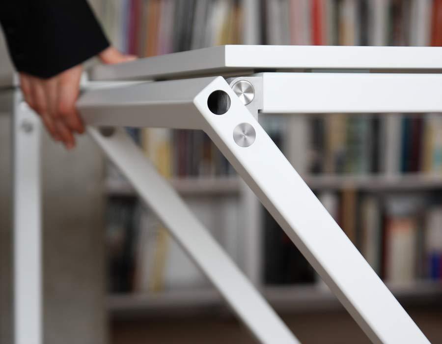 Avarte table Mina - easily foldable