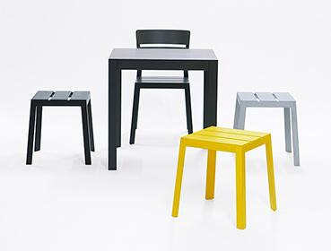 Satsuma family, Produktfamilie, Satsuma chair, Satsuma stool, Satsuma table, Stuhl, Hocker, Tisch, Farben Schwarz, Gelb, Grau, stool stackable, Hocker gestapelt