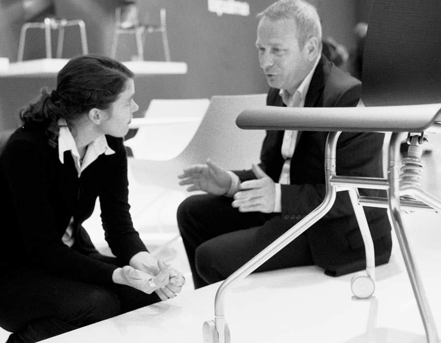 Lapalma light office chair Gira with designer Julia Läufer