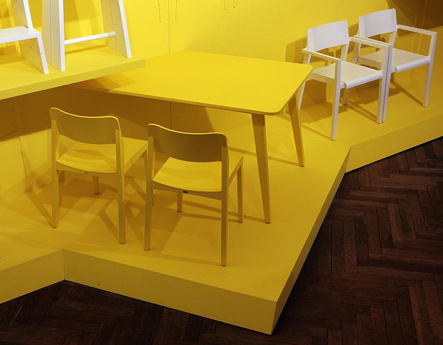 exhibition wand thonet 1330 table, chair 330, armlehnstuhl