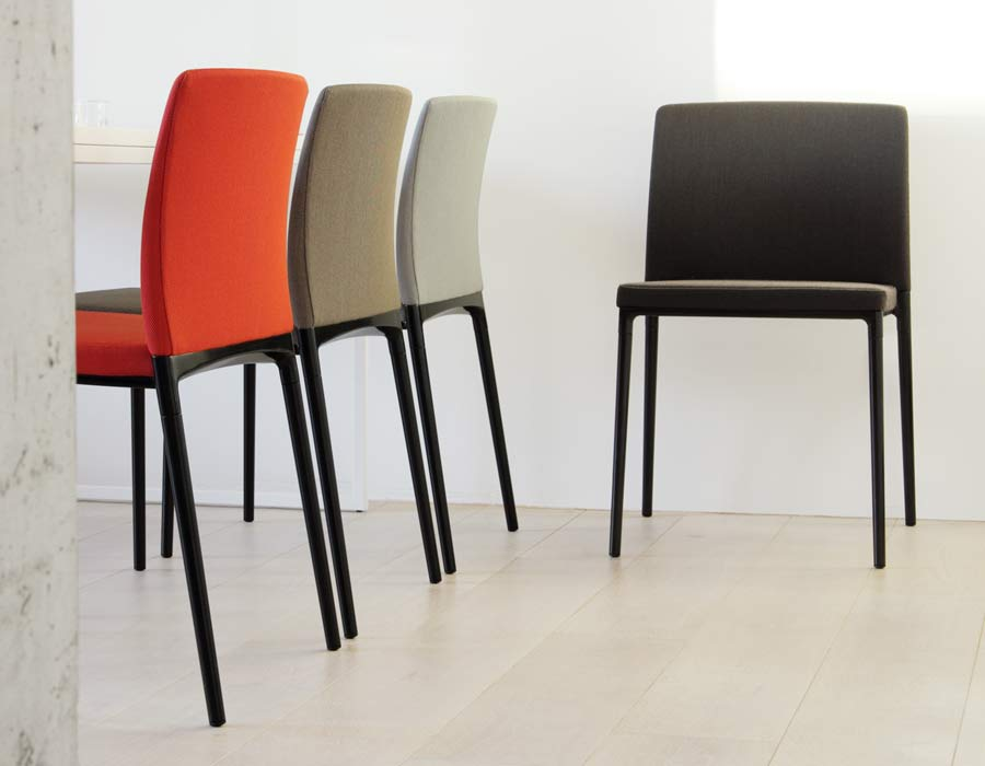 Wilkhahn conference chair Ceno red, ocker, taupe and black